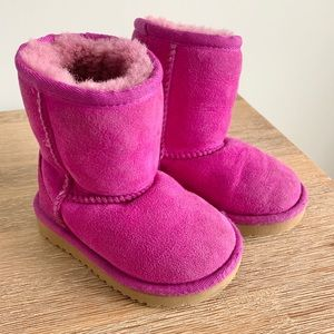 Uggs- Toddler Girls 6